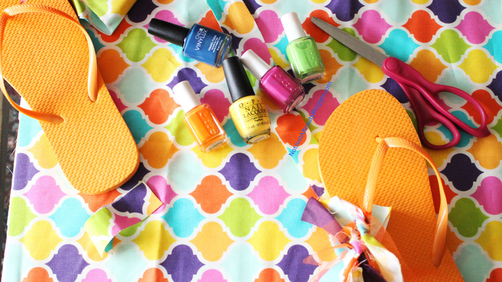 Loving how these vibrant nail polishes match the flip flops.